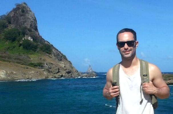 Reporter de rede da TV Gazeta, Fernando Moreira, em Noronha  (Foto: Divulgação/ Arquivo pessoal)