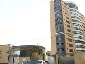 Condomínio onde Lucas Porto morava e escondeu as roupas usadas no dia do homicídio de Mariana Costa, em São Luís (MA) (Foto: Reprodução/TV Mirante)