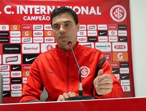 Bol&#237;var zagueiro Inter (Foto: Tom&#225;s Hammes / GLOBOESPORTE.COM)