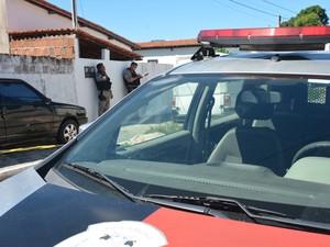 Homem foi assassinado quando se dirigia ao carro (Foto: Walter Paparazzo/G1)