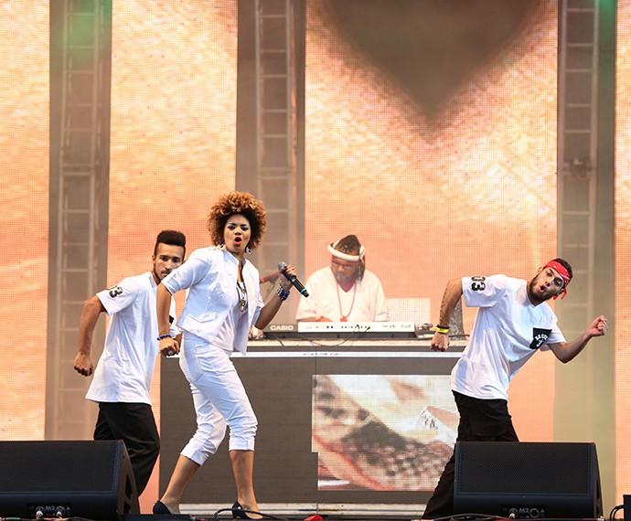 Ao Cubo fez coreografia animada no palco (Foto: Carol Caminha/Gshow)