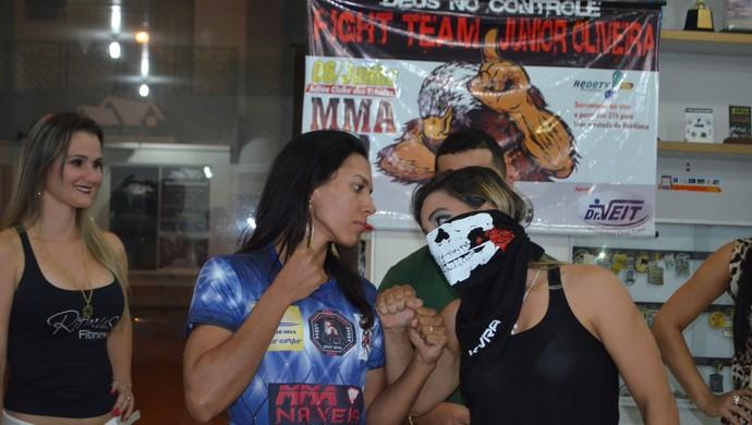 Luana Zuquini e Fabrina Gladiadora, na encarada do FT Júnior Oliveira, em RO (Foto: Dennis Weber)