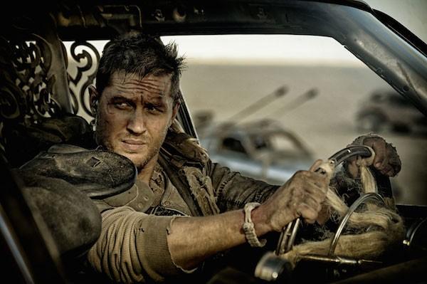 O ator Tom Hardy em cena de Mad Max (Foto: Reprodução)