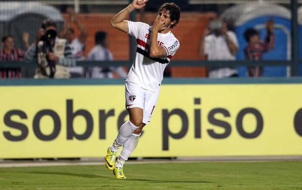 Pato gol São Paulo x Coritiba (Foto: Marcos Ribolli)