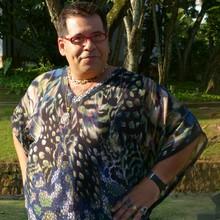 Cheio de bom humor, Hassum vive produtor de moda (Flor do Caribe/TV Globo)