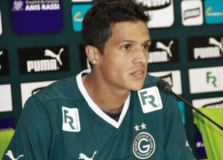 Léo Veloso, lateral do Goiás (Foto: Rosiron Rodrigues/Goiás E.C.)