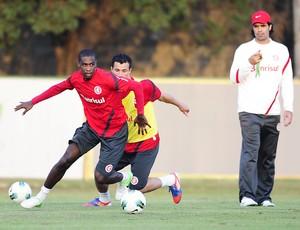 Juan, Leandro Damião e Fernandão (Foto: Alexandre Lops / Inter, DVG)