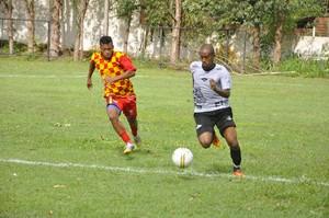 Mixto jogo-treino contra o Mato Grosso (Foto: Robson Boamorte)