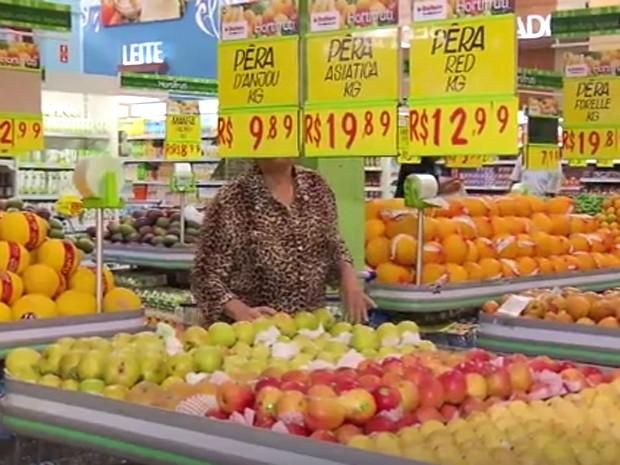 Compras em supermercado de Campinas (Foto: Reprodução / EPTV)