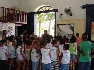 Visitantes estão aprendendo sobre a história que chamou a atenção no Brasil e no exterior (Foto: Divulgação / Casa de Cultura)