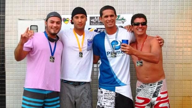 Surf dos amigos teve a sua 2ª edição realizada na Praia do Abaís (Foto: Divulgação/Arquivo Pessoal)