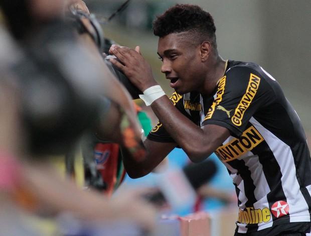 Vitinho gol Botafogo x Atlético-MG (Foto: Luciano Belford / Ag. Estado)