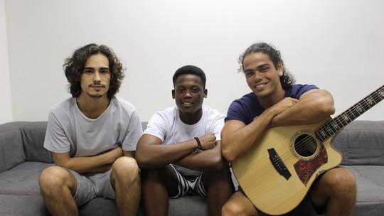 Danilo Mesquita, Enzo Romani e Maicon Rodrigues falam do sucesso 'Não Vá' em papo com fãs nas redes do Gshow