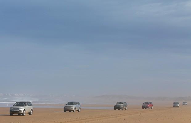 G1 avaliou o novo Range Rover no deserto da África (Foto: Divulgação)