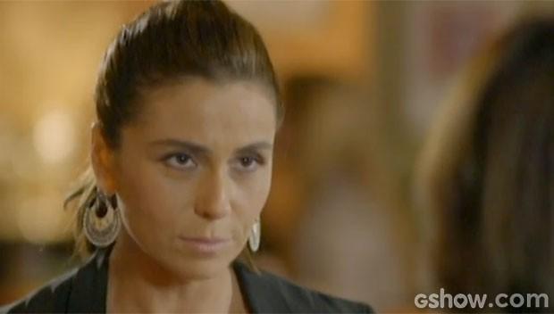 Clara abre o coração para Juliana (Foto: Em Família/TV Globo)