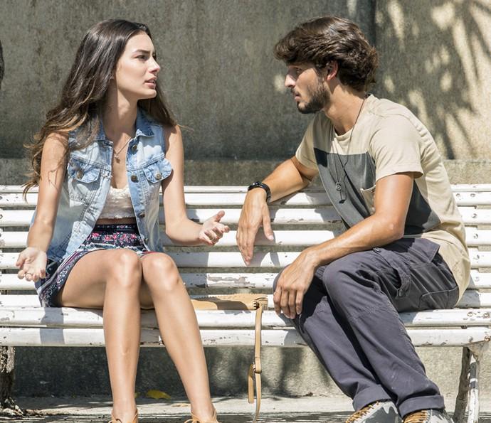 Roger deixa Luciana bolada com novidade (Foto: Felipe Monteiro/Gshow)