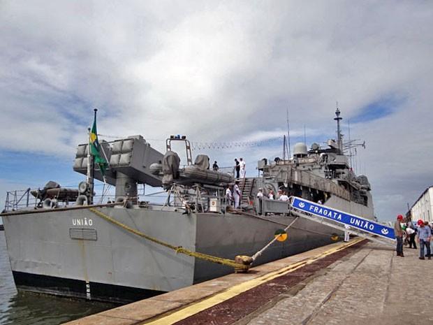 Fragata União atraca no Recife após missão de paz no Líbano (Foto: Katherine Coutinho/G1)