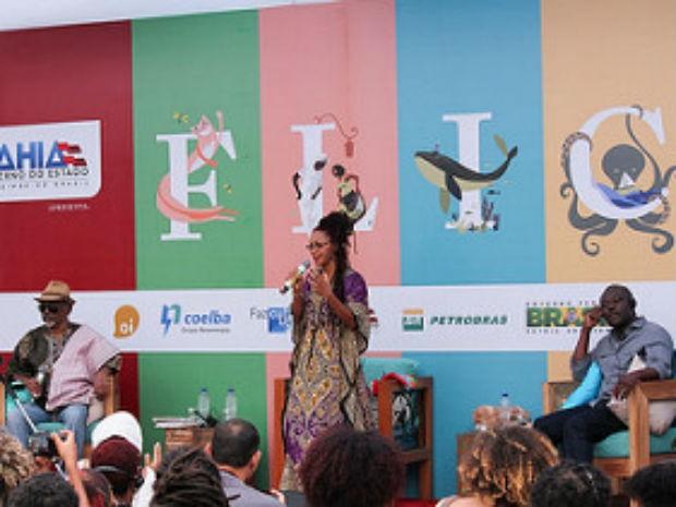 Helon Habila (Nigéria) e José Carlos Limeira Mediador: Maria Anória de Jesus Oliveira (Foto: Egi Santana/Flica)