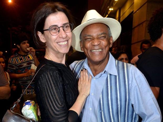 Fernanda Torres e Antônio Pitanga em pré-estreia de filme no Centro do Rio (Foto: Cristina Granato/ Divulgação)