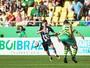 Primeiro gol como profissional anima Leonan, que busca espaço com Roger