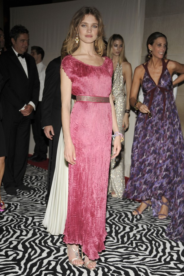 "NEW YORK CITY, NY - MAY 4: Natalia Vodianova attends THE COSTUME INSTITUTE GALA: ""The Model As Muse"" with Honorary Chair MARC JACOBS - INSIDE at The Metropolitan Museum of Art on May 4, 2009 in New York City. (Photo by BILLY FARRELL/Patrick McMullan via G (Foto: Patrick McMullan via Getty Images)"