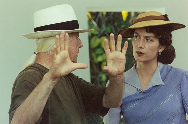 Sylvio Back dirigindo a atriz austríaca Ruth Rieser em 'Lost Zweig' (Foto: Divulgação)