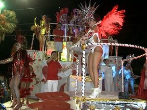 Desfile das escolas de samba do Carnaval de Teresina - Segundo Dia (Foto: Reprodução/TV Clube)