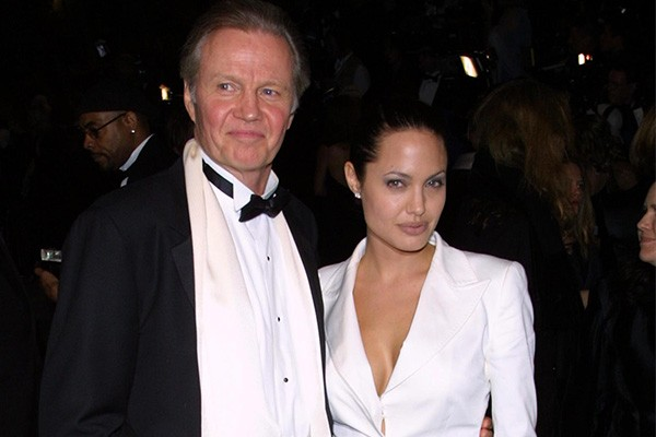 Jon Voight e Angelina Jolie (Foto: Getty Images)