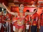 Fantasia de Sabrina Sato chega de motoboy na Sapucaí: 'Amo todos eles'