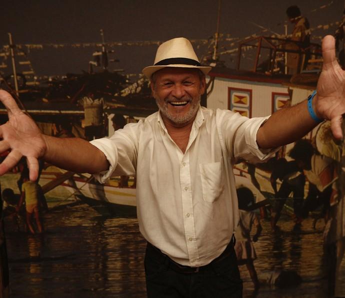 Chico de Assis interpreta um coronel de Grotas do São Francisco, cidade fictícia onde é passada a novela (Foto: Inacio Moraes/ Gshow)