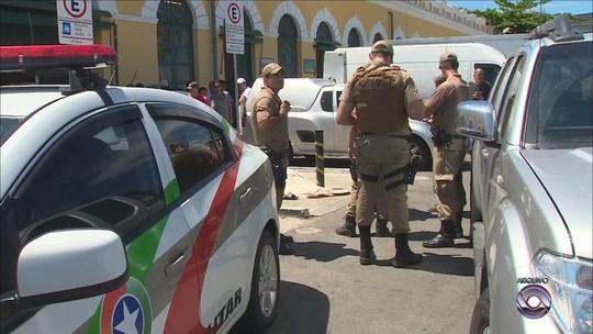Justiça defere 3 pedidos de prisão preventiva em caso de morte em frente ao Mercado Público