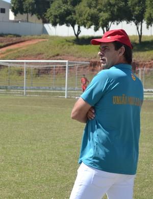 Nelsinho Kerchner técnico União Mogi (Foto: Vitor Geron)
