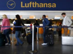 Greve de funcionários da Lufthansa no aeroporto de Frankfurt (Foto: Reuters)