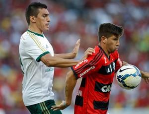 Lucio e Mugni Palmeiras x Flamengo (Foto: Alexandre Loureiro / Ag. Estado)