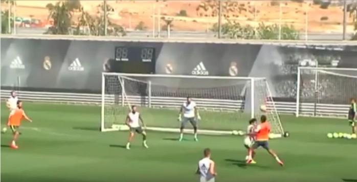 BLOG: Casemiro dá balão de peito em Marcelo e faz golaço em treino do Real Madrid