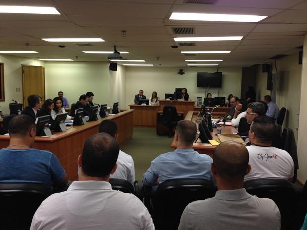 Major Edson e outros 24 PMs respondem pelo sumiço de Amarildo (Foto: Káthia Mello)