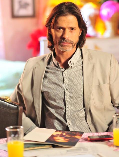 Marcos Winter em cena como Reynaldo (Foto: João Miguel Júnior/TV Globo)
