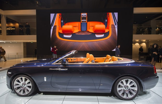 Rolls-Royce Dawn no Salão de Frankfurt (Foto: Odd Andersen/AFP)