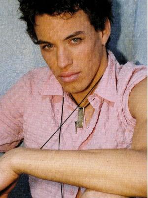 Uma das fotos tiradas na época em que o rapaz era modelo (Foto: Divulgação / Agência Mundo Model)