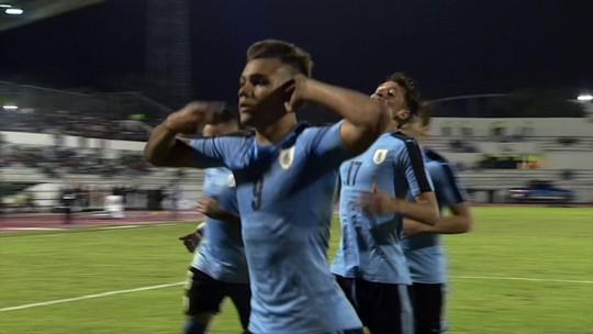 Após dois empates, Uruguai bate peruanos e consegue primeira vitória
