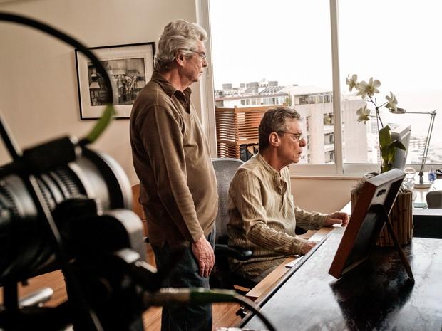 Chico Buarque com o diretor Miguel Faria Jr. (Foto: Divulgação)