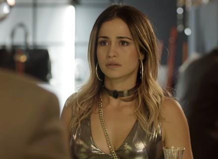 Sandra Helena aparece em hotel e chora com pedido de Pedrinho: 'Não volta mais aqui'