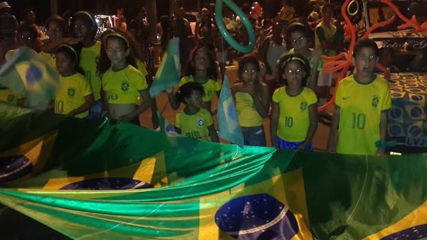 Blocos de rua animam 2º dia de desfiles na Marechal Castelo Branco (Marco Freitas/G1)