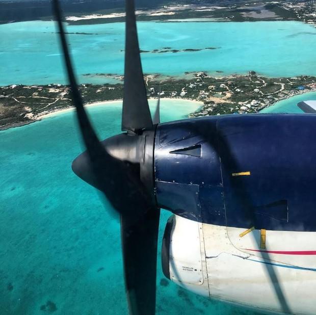 Avião chegando a Turks e Caicos com Fábio Assunção e Pally Siqueira (Foto: Reprodução/Instagram)
