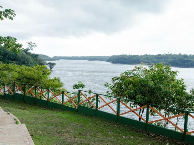 Comunidade é banhada pelo Rio Negro e fica a 74km de Manaus (Foto: Marina Souza/G1 AM)