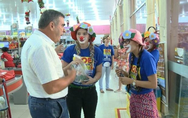 Campanha 'Doe alimento, doe vida' ajuda associação de Roraima (Foto: Bom Dia Amazônia)