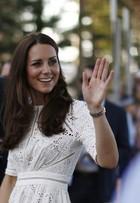 Em tour na Austrália, Kate Middleton escolhe vestido de estilista local