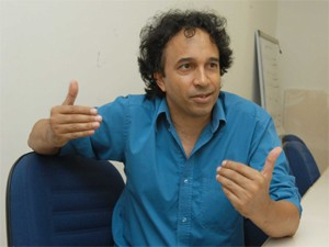 Ator Zezé Tonezzi (Foto: Antoninho Perri / Ascom Unicamp)