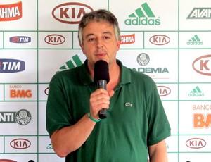 Paulo Nobre na coletiva do Palmeiras (Foto: Marcelo Prado )