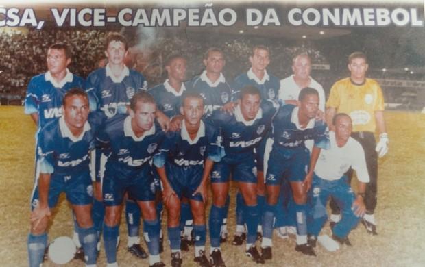 Titulares do CSA contra o Talleres na final da Copa Conmebol de 1999 (Foto: Museu dos Esportes de Alagoas)